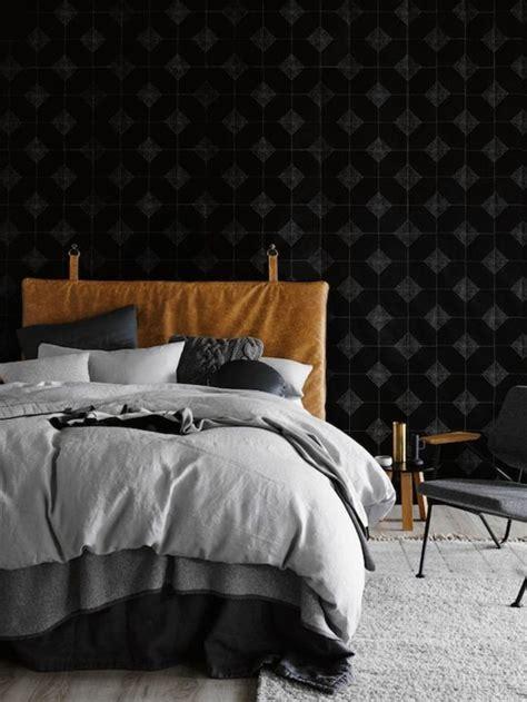 chambre avec lit noir choisissez un lit en cuir pour bien meubler la chambre à