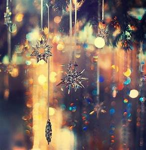 Dangling Snowflake Ornaments Pictures, Photos, and Images ...