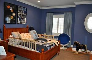 Kids' room with space shuttles, rockets, planets and ...