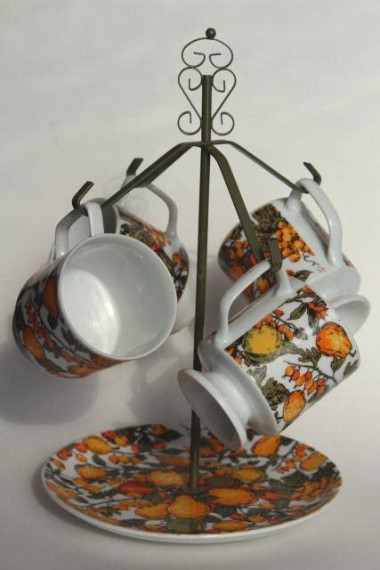 vintage wire mug rack stand  retro fruit print coffee cups