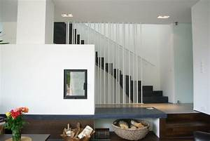 Treppe Im Wohnzimmer : blick aus wohnzimmer treppe ins og wohnhaus in ~ Lizthompson.info Haus und Dekorationen