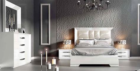 spain wood luxury bedroom furniture sets fort