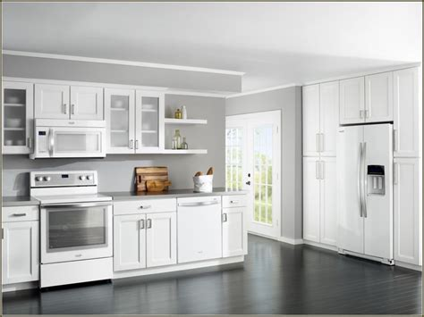 what color appliances with white cabinets 1000 ideas about cream colored kitchens on pinterest 912 | 437c9437aa06912a62996b0a781dfcbb