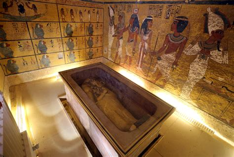 Tut Tomb May Conceal Egypt's Lost Queen; New Evidence