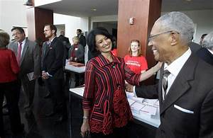 Medical school may be in UH future, Khator says in address ...