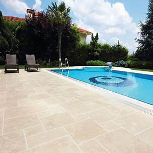 carrelage silk antique en travertin adoucie pour terrasse With plage de piscine en carrelage