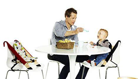 chaise bébé qui s accroche à la table innovation puericulture chaise bebe