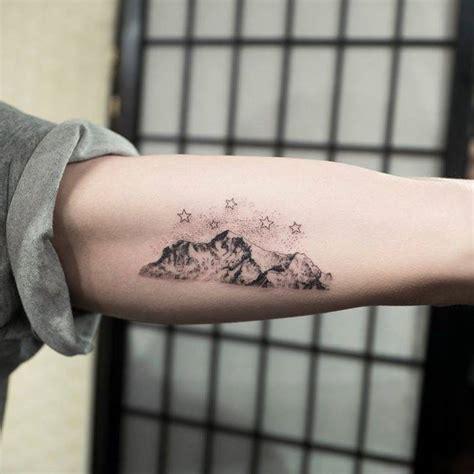 mountain range on the left inner arm