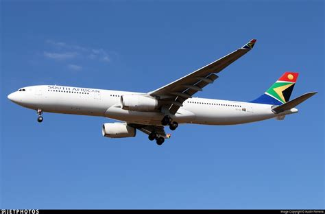 zs sxi airbus   south african airways austin