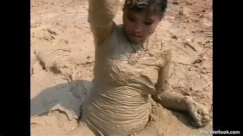 34 Girl Sinks In Mud, White Wolf