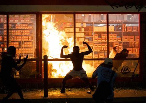 fires looting  minneapolis  mans death  dead