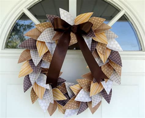 28 Fall Wreaths You Can Still Make For Thanksgiving  Hello Glow