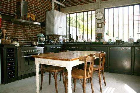 table cuisine bistrot maison loft transformation d 39 une usine en loft