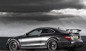 Mercedes Amg C63 Black - wallpaper.