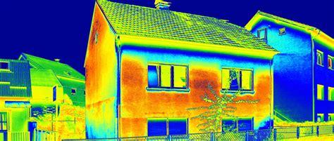 Thermografie So Machen Sie Waermeverluste Am Haus Sichtbar by Thermografie