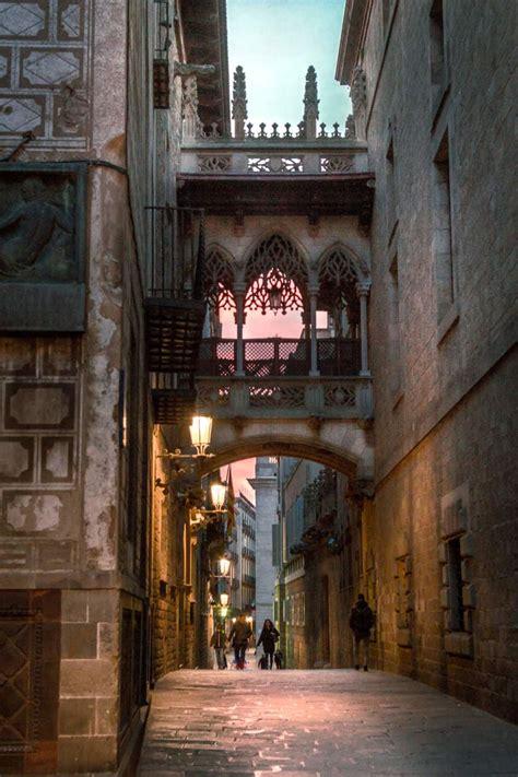 barri gotic  guide  exploring barcelonas gothic