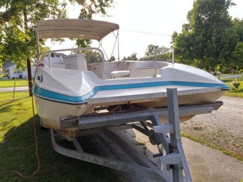 1995 26 ft bayliner rendezvous pontoon deck boat and