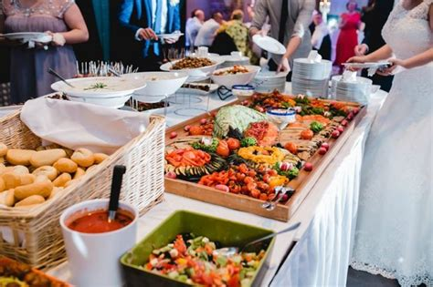 Reasons Why You Should Hire Wedding Buffet Catering