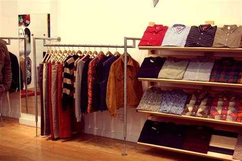 supreme clothing retailers best 25 supreme store ideas on fairfax los