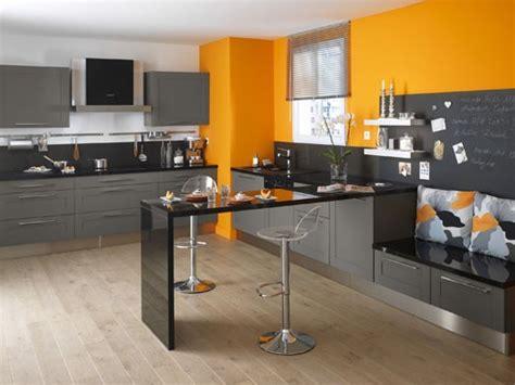 cuisine grise et orange decoration cuisine jaune orange