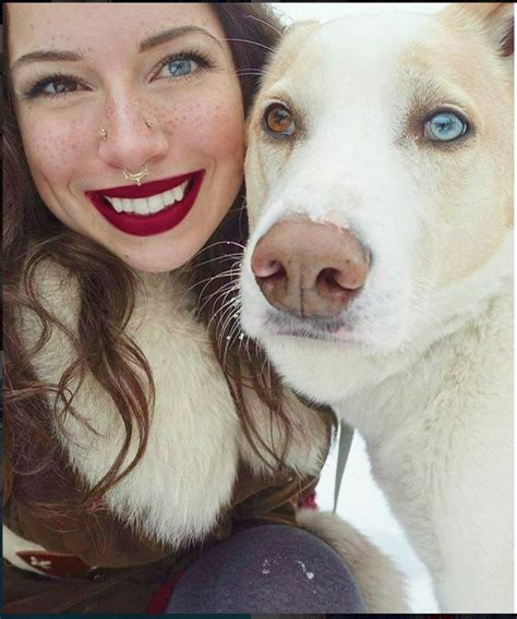 pic   woman  dog  heterochromia