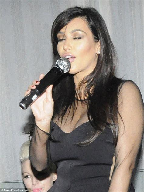 kim kardashian sings karaoke   shows