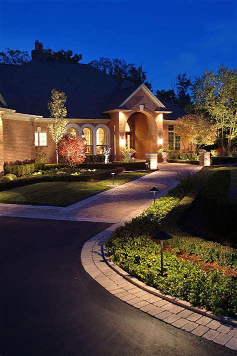dusk to outdoor lights dusk to landscape lighting st louis