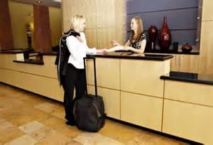 receptionist saston