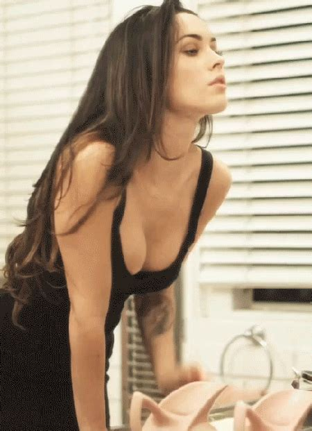 Megan Fox Is Awesome And Sexy P Giftrunk Com