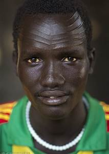 Girls 'slashed to be beautiful' in Ethiopian scar ceremony ...