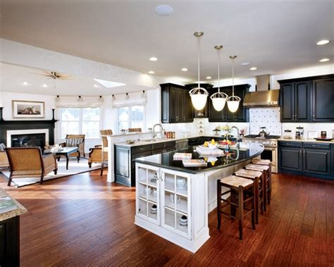 Curved Granite On Island Spaces Open Concept Kitchen