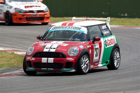 mini lave linge cing car mini south africa castrol racing team to race at kayalami