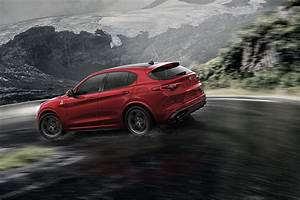 Suv Alfa Stelvio : new alfa romeo stelvio quadrifoglio suv revealed latest news and pictures by car magazine ~ Medecine-chirurgie-esthetiques.com Avis de Voitures