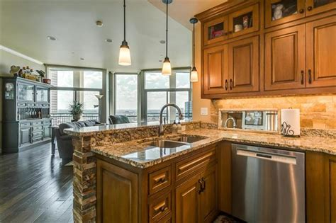 custom designed kitchen the tower 2 2 with gorgeous skyline views 3051