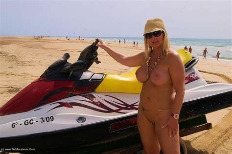 Cougar Nude Chrissy From Europe Holiday In Fuerteventura - YOUX.XXX