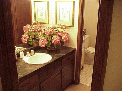 guest bathrooms ideas bloombety guest bathroom decorating guest bathroom decor