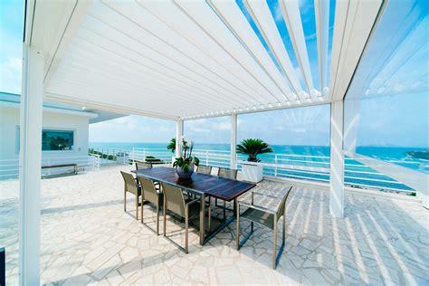 tettoie per terrazze pergola bioclimatica con frangisole in alluminio ke