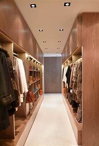 Walk In Closet : 15 examples of walk in closets to inspire your next room make over contemporist ~ Watch28wear.com Haus und Dekorationen