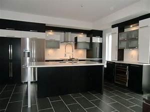 armoire de cuisine moderne avec ilot comptoir corian With mod le de cuisine moderne