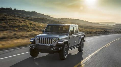 jeep gladiator  insanely    month lease deal