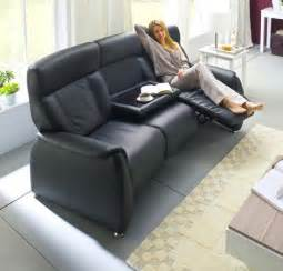 2 sitzer sofa mit relaxfunktion tessa 3 sitzer loungesofa mit relaxfunktion in echt leder schwarz möbel lifestyle discount