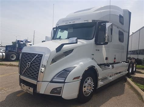 volvo  globetrotter xl top    fully