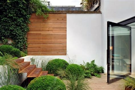 screening fence  garden wall  ideas  garden design interior design ideas ofdesign