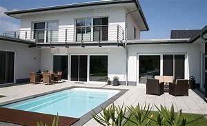 modernes wohnen am wasser pool magazin With französischer balkon mit pool haus garten