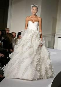 Oscar de la renta wedding dress weddings eve for De la renta wedding dresses