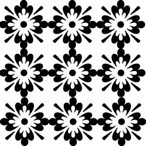 Clipart - Black And White Floral Pattern