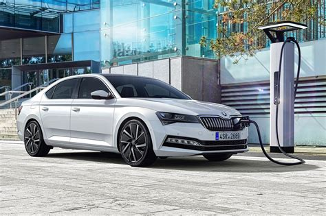 It's electrified! Skoda Superb facelift includes new iV ...