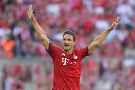 Bayern munich players robert lewandowski and mats hummels argued at training on wednesday a. Bayern Munich's Mats Hummels injures foot ahead of DFB ...