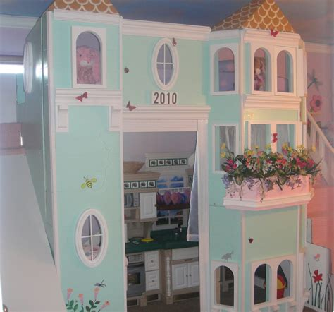 A Loft Bed Dream House For A Little Girl Op Loftbed