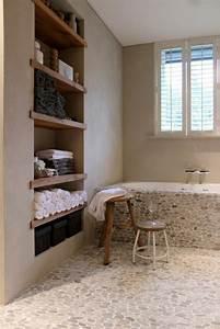 Idees deco salle de bain rustique confort et chaleur en un for Salle de bain design avec table décorée pour anniversaire adulte